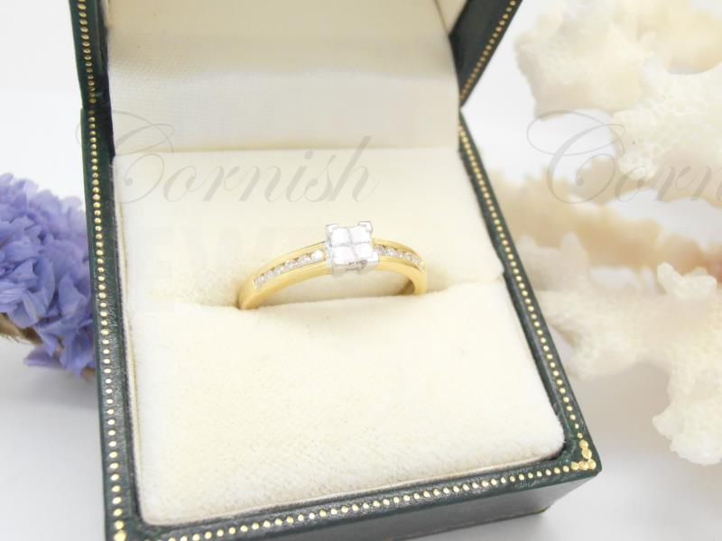 18ct Gold Diamond Ring Square Diamonds