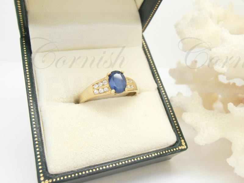 9ct Gold Blue & White Sapphire Ring Size O