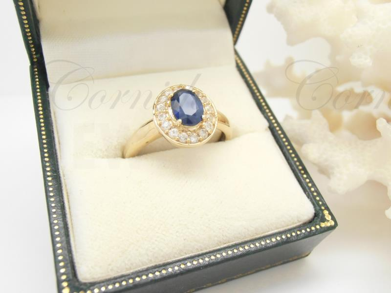 9ct Gold Sapphire Ring Size O