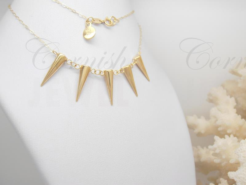 Delicate 9ct Yellow Gold 5 Spike Ladies Necklace Punk 10k