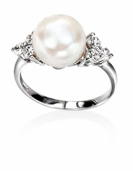 White Freshwater Pearl/Clear CZ Ring