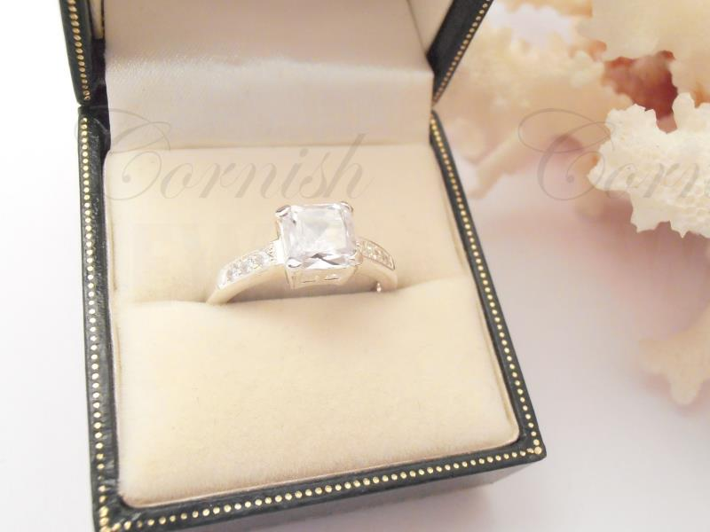 Silver Cubic Zirconia Solitaire Ring N