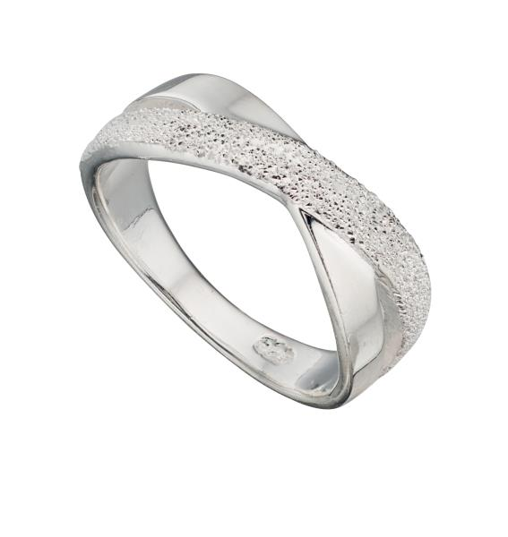 1/2 Diamond Cut Crossover Kiss Ring