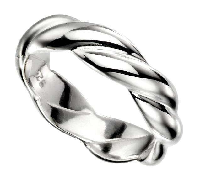 Solid Twist Ring